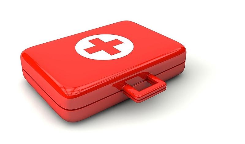 Erste Hilfe Koffer Pixabay Peggy und Marco Lachmann-Anke doctor-1015624