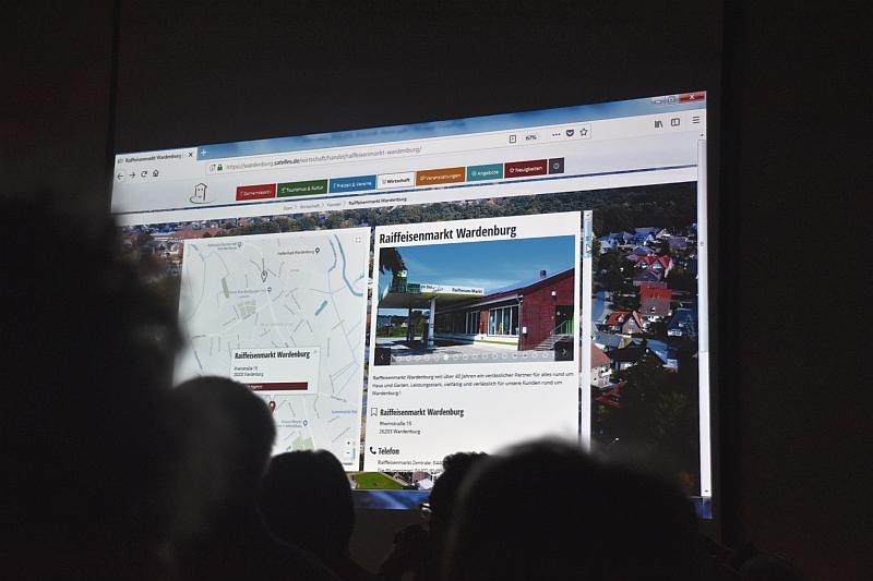 Präsentation Wardenburg-App+ Marktplatz digital